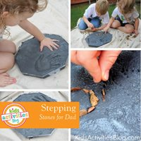 Garden Stepping stones make your own for fathers day from kids activities blog DIY #gardeningaustralia www.aboutthegarden.com.jpg